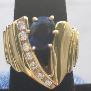 Jewelry - 14K YELLOW GOLD DIAMOND / BLUE SAPPHIRE RING .